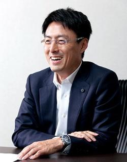 「再エネの発電コストを下げ、日本を再エネ国家にしたい」と話す、レノバの木南陽介社長