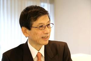 稲坂良弘さんは『源氏物語』の香の立場からの研究家としても知られている(photo by nanaco)