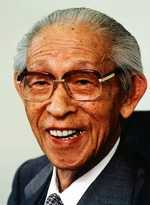 パナソニック・グループの創業者、松下幸之助(1894年~1989年) (1987年4月撮影、写真:Fujifotos/アフロ)