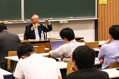 「かつての日本企業の経営者は極東の端にいながら、常に世界を見つめ、果敢に打って出ていきました。イノベーティブなことに挑戦するのが当時は、当たり前だったのです」