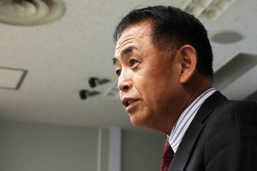 <b>下野雅承(しもの・まさつぐ)氏<br />日本IBM取締役副会長</b><br /> 1953年生まれ、大阪府出身。78年京都大学大学院工学研究科修士課程修了。同年日本IBM入社。技術・サービス部門を中心に担当し、92年米IBMコーポレーション出向。2001年取締役就任。2003年常務執行役員、2007年専務執行役員を経て2010年取締役副社長執行役員製品サービスオペレーション担当に就任。2016年最高顧問に。2017年5月から現職。(写真:陶山 勉)