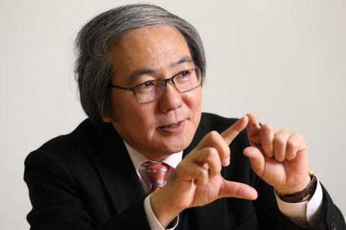 菅野了次東京工業大教授は全固体電池研究の第一人者だ(撮影:陶山勉、以下同)