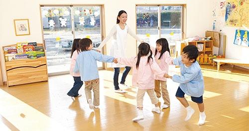 <b>安倍内閣は待機児童ゼロを目指すが…</b>(写真=アフロ)