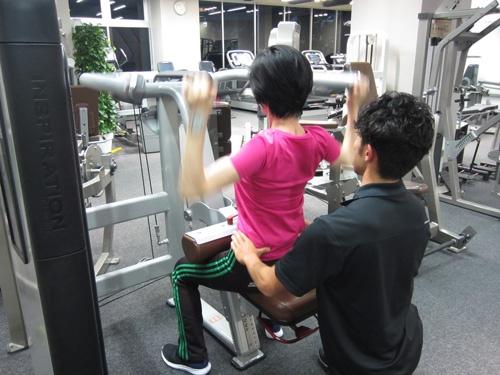 利用者とのコミュニケーションを重視。体をほぐしたいという要望があれば、その日はトレーニングをせずストレッチに専念することも