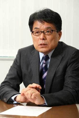 <b>増田寛也(ますだ・ひろや)氏</b><br /> 1977年4月、建設省入省。95年4月、岩手県知事就任(計3期)。2007年8月から2009年9月まで、民間人として総務大臣を務める。2009年4月、野村総合研究所顧問、東京大学公共政策大学院客員教授、内閣官房参与(同年8月まで)。日本創成会議座長として2014年5月、消滅可能性都市の問題を指摘した(写真:柚木 裕司)