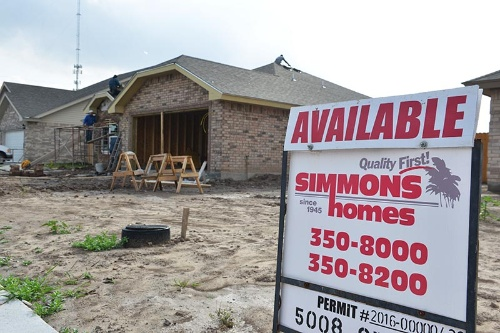 人口が増加しているブラウンズビルでは住宅建設が盛んだが、移民流入にストップがかかれば、ルシオ夫妻を襲ったような逆風は吹き付けるだろう (写真:Miguel Angel Roberts)