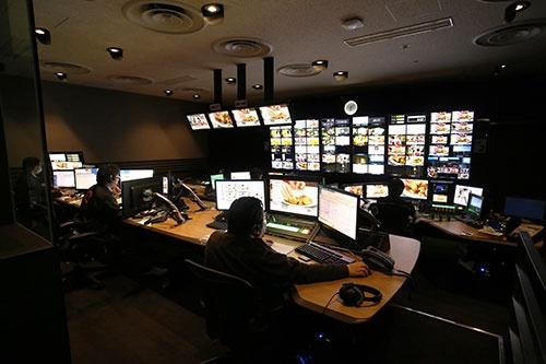 いわば「指令室」とも言える、「ライブコントロールルーム」(写真 都築 雅人)