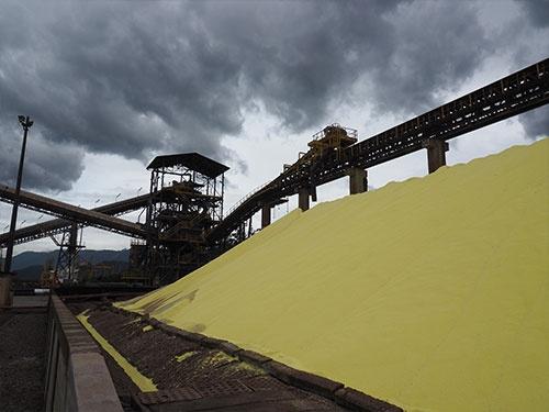 TIPLAMは現在、肥料の原料として用いられる硫黄の荷下ろしに使われている
