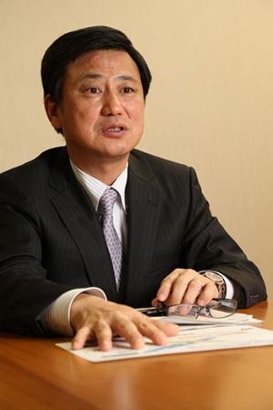 GEの変身を「驚異だった」と語るコマツ取締役ICTソリューション本部長の黒本和憲氏(写真:陶山 勉)
