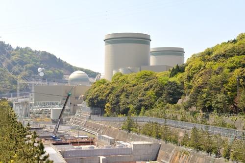 大津地方裁判所の仮処分決定で、関西電力は高浜原子力発電所3号機の運転を停止し、経営戦略が大きく狂った(写真:杉本 幸輔)