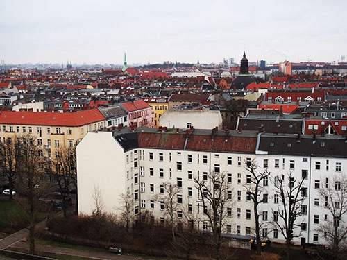 ドイツの首都ベルリンの街並み。戦前の古い家は今も住宅として使われている