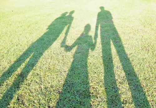 夏休みが分散すると、親子で外出する機会が増える?