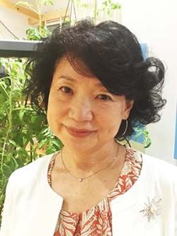 "<b>帯野久美子(おびの・くみこ)氏</b><br/><b>インターアクト・ジャパン社長</b><br/><br/>追手門大学を卒業後、国際学校で英語を学び、1982年にフリーランスの翻訳家として独立。1985年に翻訳・通訳の専門会社、<a href=""http://interactjapan.jp/"" target=""_blank"">インターアクト・ジャパン</a>を設立し代表取締役。また2002年からはインターネット配信による英語教育教材の制作事業に乗り出した。語学を中心にグローバル教育に取組む。その傍ら、2009年から15年まで国立大学法人・和歌山大学の理事・副学長を務めたほか、大阪市教育委員、文部科学省大学設置・学校法人審議会委員、中央教育審議会委員などを務める。"