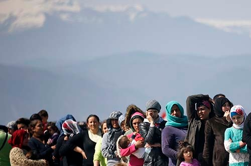シリアの内戦で周辺国に逃れた人たちは、「移民国家」ドイツに行くことを希望することが多い。2016年3月。(写真:AP/アフロ)