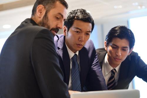 グローバル経営を仕切る能力を持つ日本人がどれだけいるのか。(写真:PIXTA)