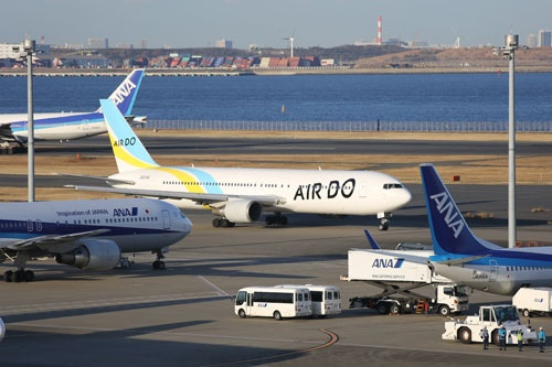 エア・ドゥ(AIRDO)は機長不足を理由に一部運休に追い込まれた(写真:中尾由里子/アフロ)