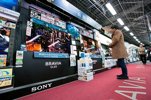 ヨドバシカメラマルチメディアAkibaのテレビ売り場(写真:的野弘路)