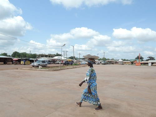 ガーナは女性が圧倒的に働いている