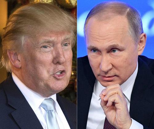 トランプ米大統領(左)への対抗意識を燃やすプーチン・ロシア大統領(右)(AFP/アフロ)