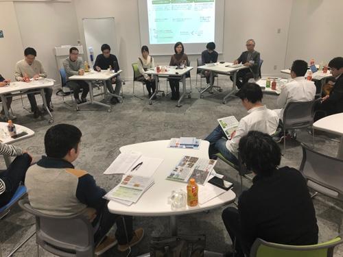 東京で開催されたあすびと福島コミュニティには、大学生と社会人が集まった