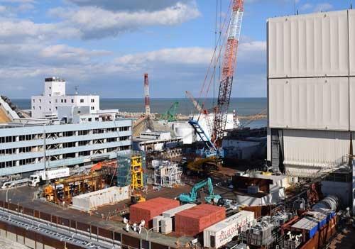 1号機原子炉建屋の作業ヤード(写真:日本記者クラブ取材団代表撮影)
