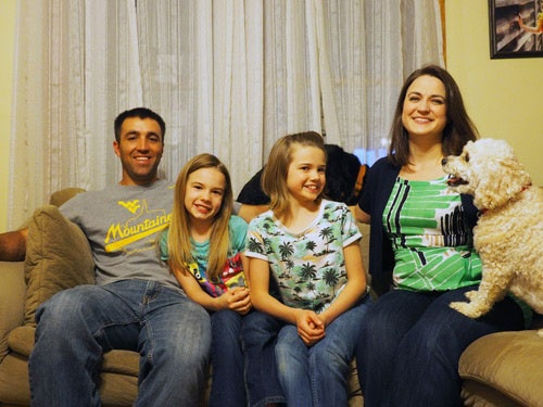 ソトメイヤー夫妻はドラッグ中毒で育児放棄状態にあった2人の子供を引き取った。
