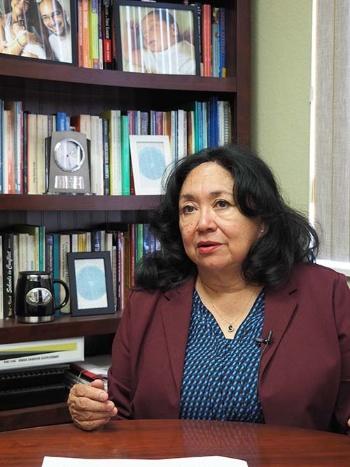 「管理している子供の44%がホームレス」と語るグロリア・ヘルナンデス・ゴフ