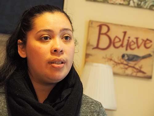 大学卒業後、コミュニティに貢献するために戻ってきたアリシア・ポンセ・ディアス
