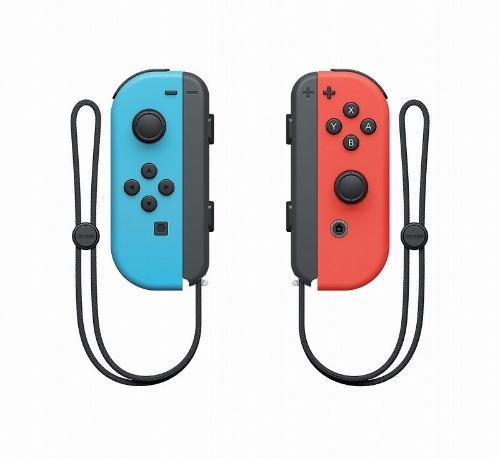 ジョイコンをグリップから取り外してプレーすることも可能。一方を相手に渡しての対戦プレー(おすそわけプレー)もできる。