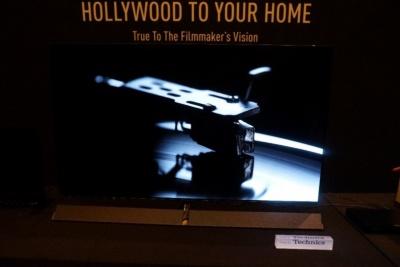 パナソニックも欧州向けの有機ELテレビを披露。