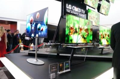 有機ELテレビ発売を牽引したのは韓国LG電子(写真は2013年のCES)。