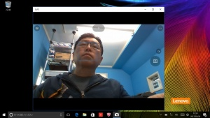 ウェブカメラは下から見上げる角度になるのが許せない