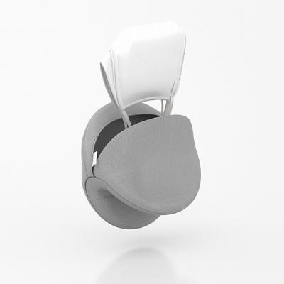 片手でケースを畳むと口が開くような形状で、マスクをケースに入れたまま洗濯ができる