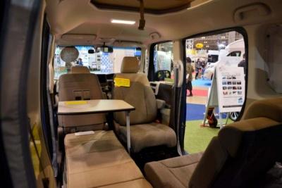回転式のフロントシートを備える軽自動車はあまり例がない