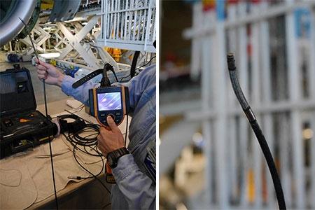 カメラが付いているボアスコープ。先端はうねうねとよく動く。手元にあるコントローラーで、カメラの映像を見ながら向きを操作する。映像は動画・静止画で撮影できる