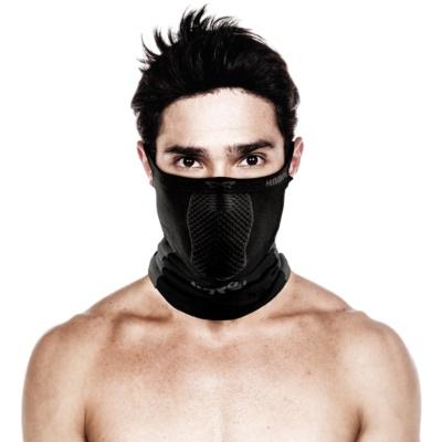 顔の大部分から、首元まで覆う防寒・防塵、UVカット仕様の「X5」(税込み2980円)