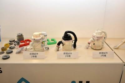 川本氏による原理試作。小西氏とユウキ産業がプロトタイプの試作を進めている最中にも、次々に新たな試作品が生まれていったという