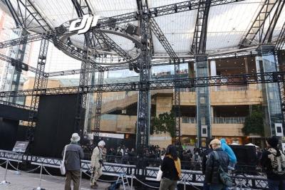 発表会場の脇に設置された巨大なフライトスペース