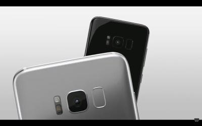 指紋認証センサーはリアカメラの右に配置されている。指紋認証でロックを解除する際には、ついついレンズカバーを触ってしまいそうだ。ちなみにリアカメラの左にあるのはフラッシュと心拍センサー。こちらも触れないように注意が必要だ。