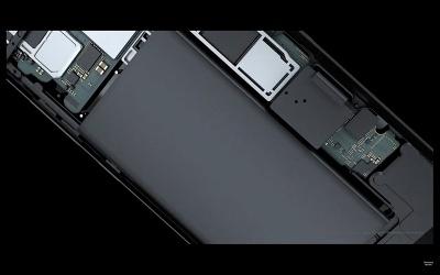正常なリチウムイオンバッテリーでも、過充電されたり、満充電したまま長期間放置した際に不安定になること自体は完全に防げない。化学的に不安定になりバッテリーが膨れた際に、圧力を逃がす設計がリチウムイオンバッテリー搭載製品にとって重要だ。なお、Galaxy S8/S8+ではX線や人の目による検査を含めた8項目の安全チェックが実施されている。