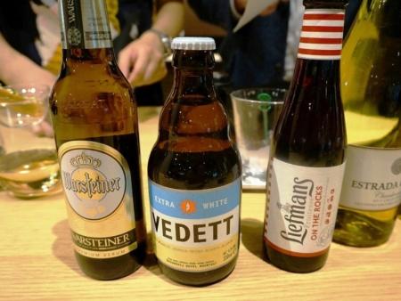 ビールは、「ヴァルシュタイナー」(800円)、「ヴェデット エクストラホワイト」(850円)、「リーフマンス」(850円)の3種類を販売