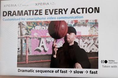 通常の動画の最中に数秒間のスローモーションが入り、ドラマチックな動画が簡単に作成できる