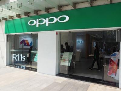 深センにあるOPPOの専門店。中国や東南アジアなどには、こうしたOPPOの店舗が多数存在しており、ブランドの浸透に大きく貢献している