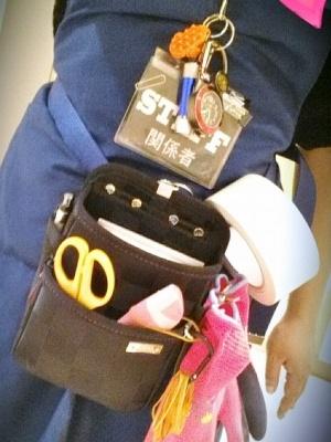 コンサート会場の設営女子(画像提供:基陽)