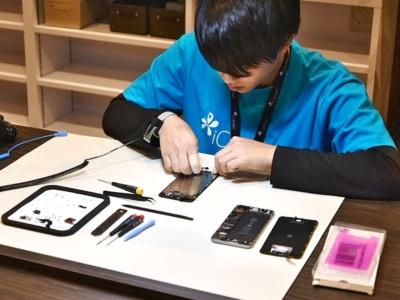 iPhoneの修理を専門に手がける「iCracked」では、バッテリーの交換を実施している。料金は6800円(iPhone 6/6 Plusの場合、技術料込み)で、作業時間はおおむね15分程度で済むという