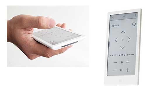 (左)キーを押した感覚が振動と音でわかるようにしている/(右)立てて置くことも可能で、下部に「ホームボタン」を配置。充電はUSB端子を使う