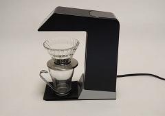 高ささえ合えば、付属のドリッパー以外も利用可能。サーバーを使わずにカップに直接コーヒーを入れることもできる