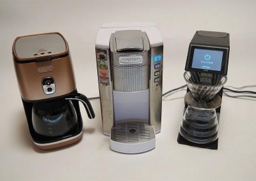 今回徹底検証した3モデル。左からデロンギ「ディスティンタコレクション ドリップコーヒーメーカー ICMI011J-CP」、クイジナート「コーヒー&ホットドリンクメーカー SS-6WJ」、ハリオ「V60 オートプアオーバー Smart7」
