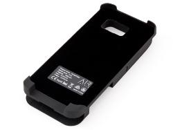 スマホケース兼用タイプの充電ケースは、iPhone 6/6s/7かGalaxy S7 edgeがはめ込めるようになっている