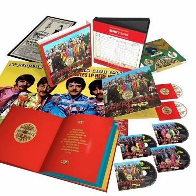 パッケージとしては、リミックスされた『サージェント・ペパーズ・ロンリー・ハーツ・クラブ・バンド[UICY-15602]』(2808円:税込み)が基本で、これにアルバム13曲の未発表アウトテイクを含む18曲を収録したCDが追加された『サージェント・ペパーズ・ロンリー・ハーツ・クラブ・バンド【2CD】[UICY-15600/1]』(3888円:税込み)、4枚のCDに加えてDVD、ブルーレイが収容された『サージェント・ペパーズ・ロンリー・ハーツ・クラブ・バンド【スーパー・デラックス・ボックス・セット】【立版古封入】【完全生産限定盤】[UICY-78342]』(写真、1万9440円:税込み)などがある。『サージェント・ペパーズ』立版古50周年エディションは、日本盤のスーパー・デラックス・ボックス・セットだけに封入されている